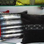 коллекция подушек из красного черного бархата и сер-черной тафты